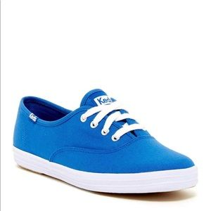 New with box blue Keds size 8.5